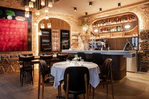 Ресторан LORO - Италия, 100 сортов виски и классический интерьер
