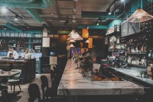 15 Kitchen+Bar