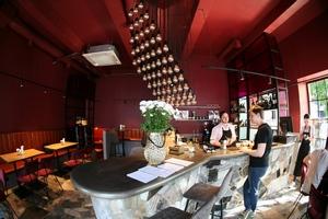 Открылся бар с едой, Bijou Bar (Вино Еда Коктейли)