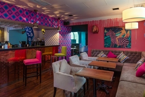Monicabellucci bar & karaoke & lounge