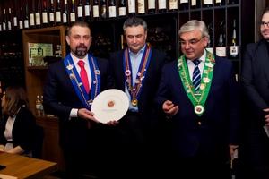 Grand Cruотмечен знаком престижной Международной Гильдией Гастрономов