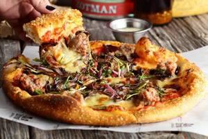 Zotman Pizza Pie на Большой Никитской приглашает всех на вечеринку в честь третьего Дня Рождения
