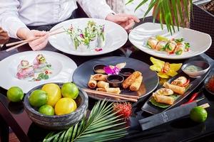 Фестиваль спринг-роллов в ресторане Black Thai