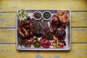 Техасские сеты на компанию в ресторане Brisket BBQ
