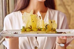 Летнее меню дополнилось пятью сезонными  в Brasserie МОСТ