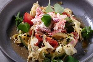 Салат с крабом от Дениса Соболева, шеф-повара ресторана «Семнадцать»