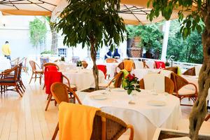 Летняя веранда в ресторане «Сирена»