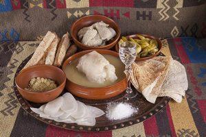 В семейном ресторане армянской кухни Gayane's, как всегда, будут «спасать» гостей фирменными блюдами национальной кухни