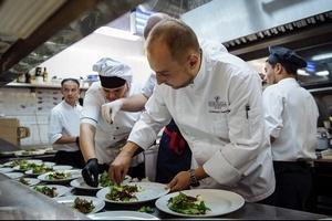 Закрытый звездный ужин с Антоном Сальниковым в «Тироле»