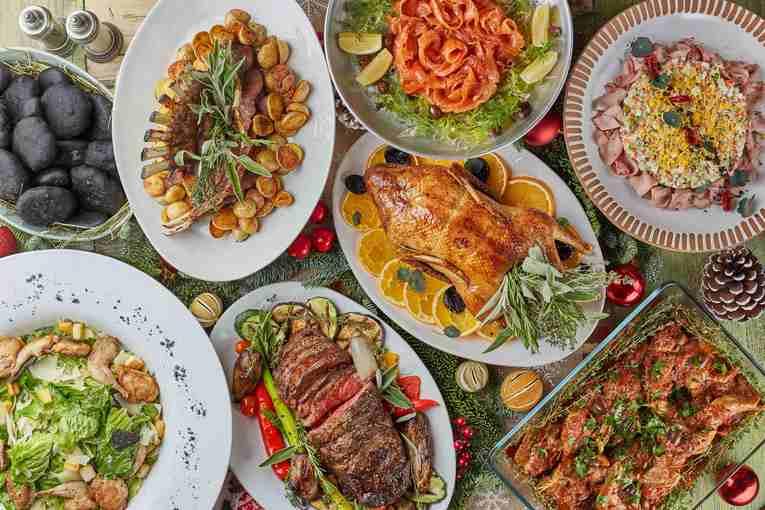 Блюда для новогоднего стола в ресторане Christian