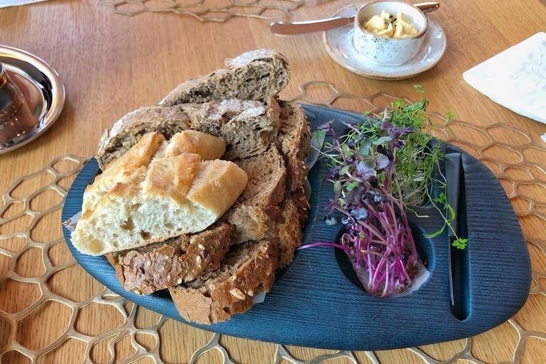Корзина домашних хлебов