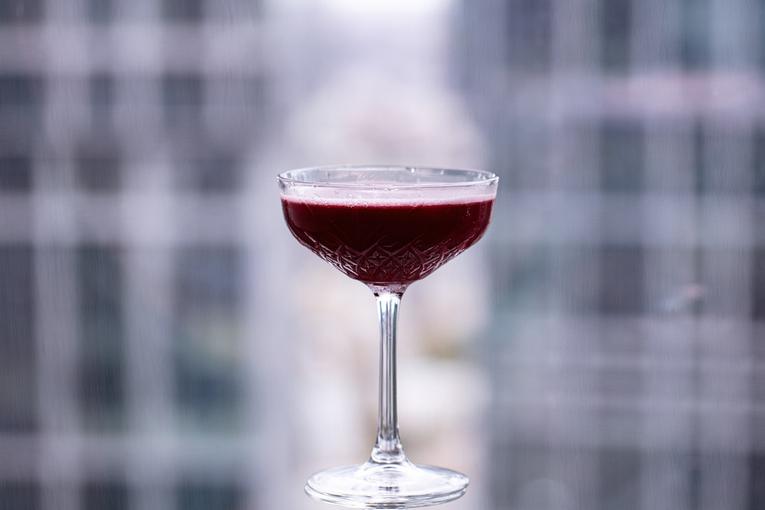 Коктейль Tea Rose, бар AVIATOR