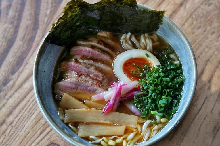 Новый шеф-повар и сезонное меню в Lucky Izakaya Bar
