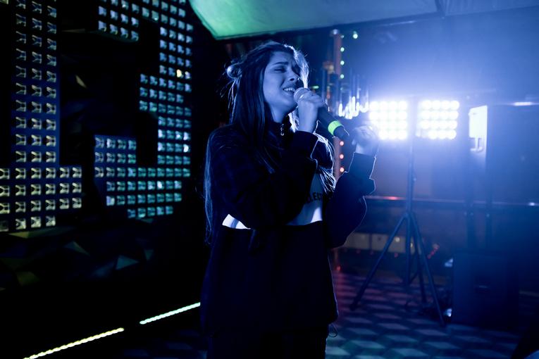 Анет Сай, Black Star