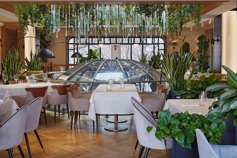 Ресторан «Ривьера», уютно расположившийся в отдельном двухэтажном здании недалеко от площади Гагарина