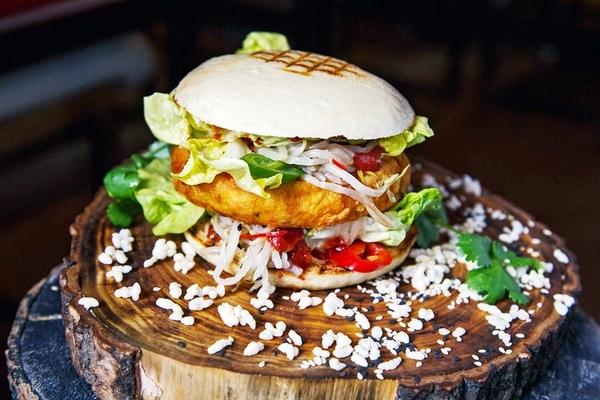 Вегетарианский бургер в Киану