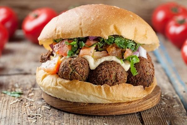Вегетарианский бургер в FARШ