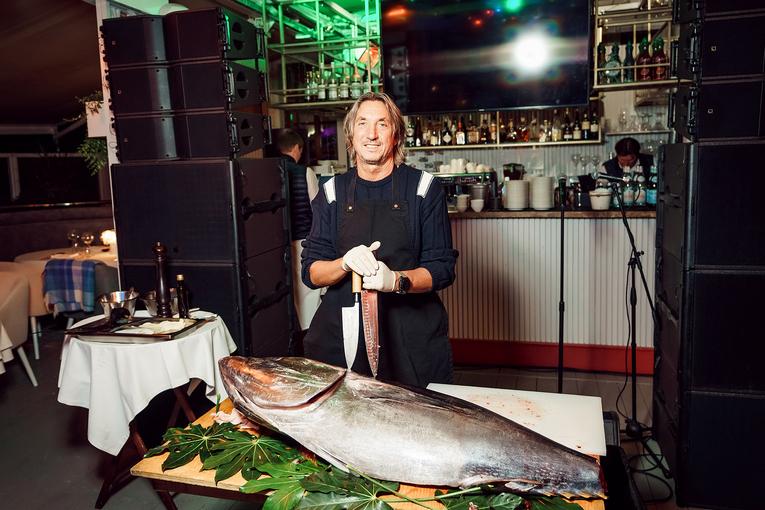 Гигантский тунец снова «плывет» в Pescatore