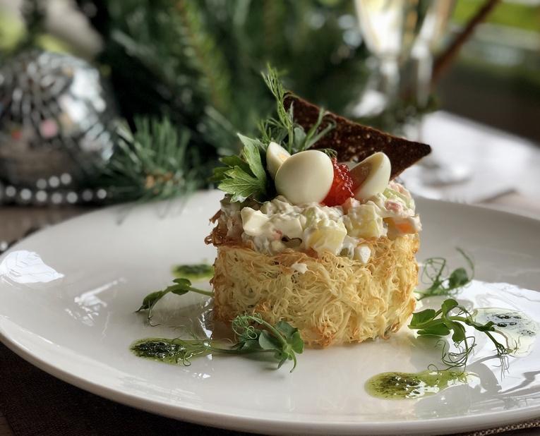 Новогодние блюда к праздничному столу от ресторана «Кому ЖИТЬ ХОРОШО»
