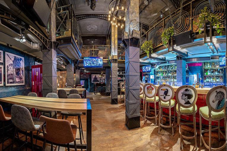 Новый винно-коктейльный бар «Зеленая собака»