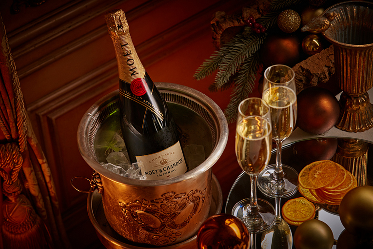«Турандот» приглашает на новогодние и устричные бранчи