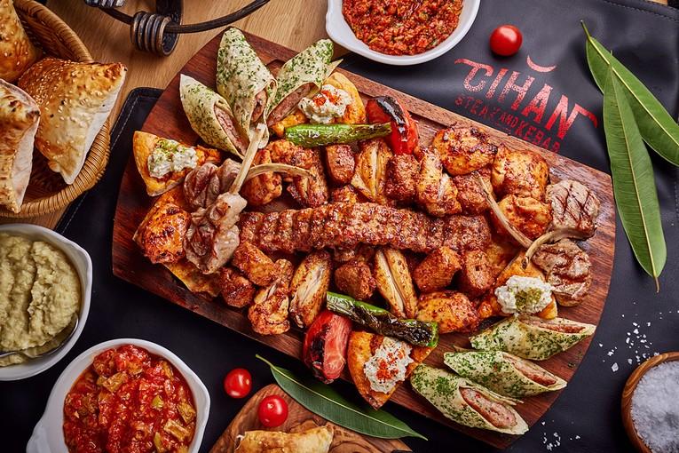 Блюда на компанию в Cihan Turkish Steak & Kebab