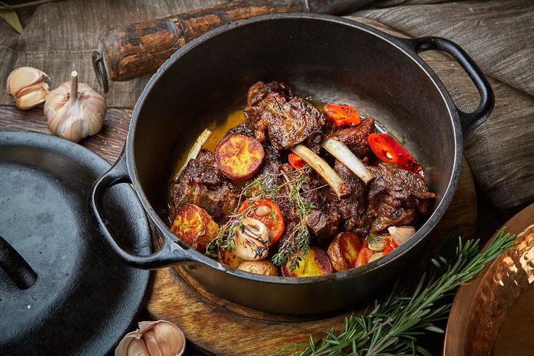 Мясо козленка в ароматных травах, ресторан «Честная Кухня»