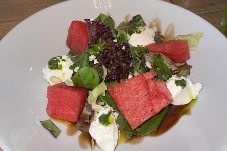Nicepricecafe, Летний салат с арбузом, 200р.