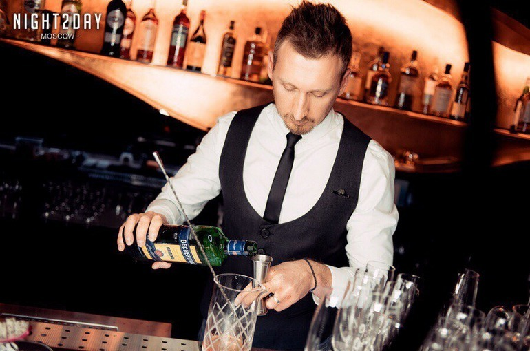 Евгений Вагин - шеф-бармен ресторана City Voice