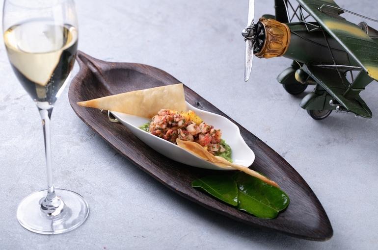 Севиче из креветок и манго с гуакамоле из авокадо хаас