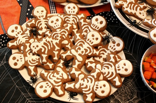 Skeleton-cookies_Tkemali.jpg