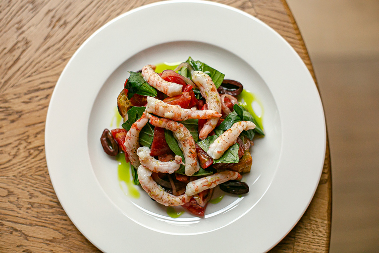 Креветки на гриле, салат панзанелла, 720р.