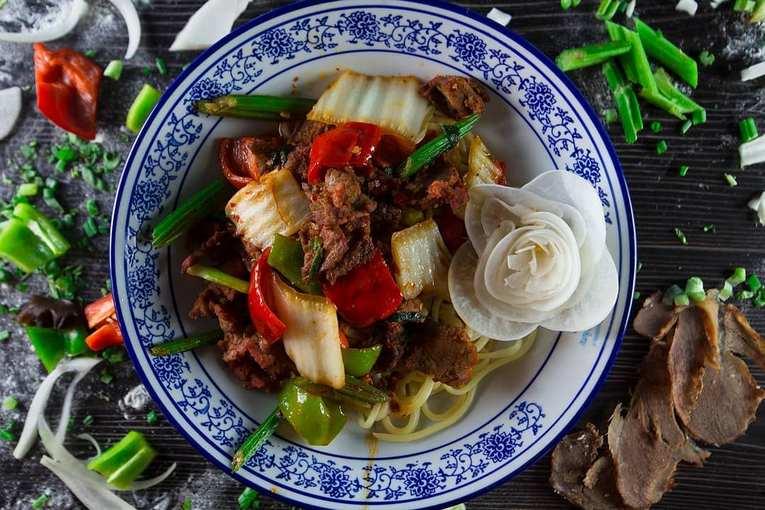 ри 3 килограмма лапши бесплатно, лапшичная Lanzhou