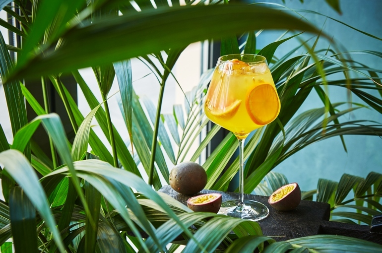 Moregrill_passion_Fruit_Sangria.jpg
