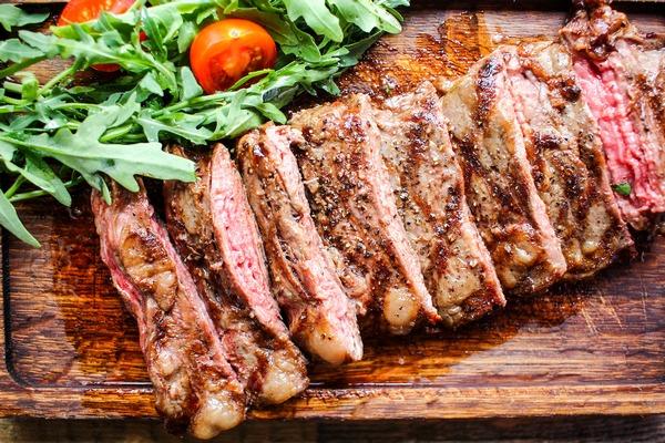hishnik_steak_file.jpg