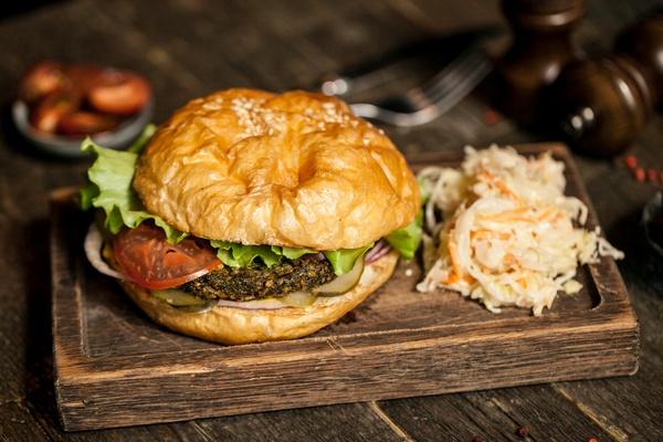 Вегетарианский бургер в Хищnik Стейкs&Burgers