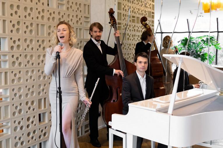 Живая музыка в Cafe Milano