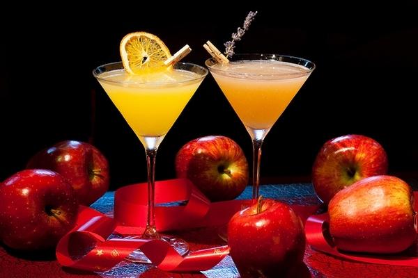 Guava martini & Orange tini_Kitayskaya gramota_1.jpg