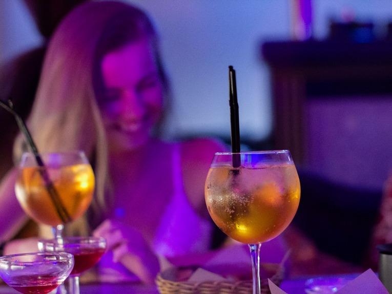 Омар Хайям BAR&KITCHEN предлагает эксклюзивный напиток для влюблённых пар