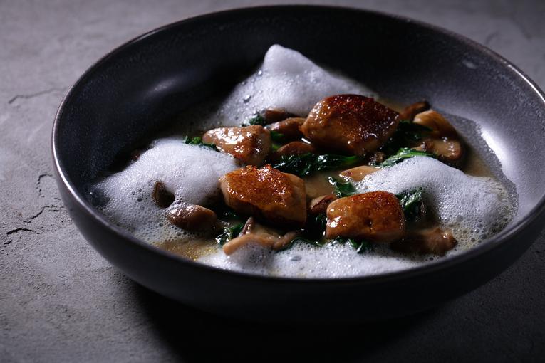 Суп с фуа-гра и белыми грибами