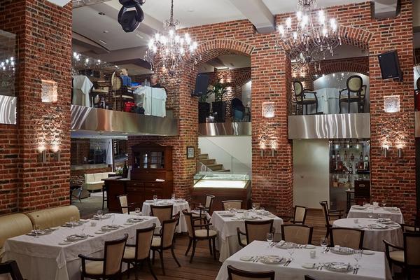 Le Restaurant_interior 1.jpg