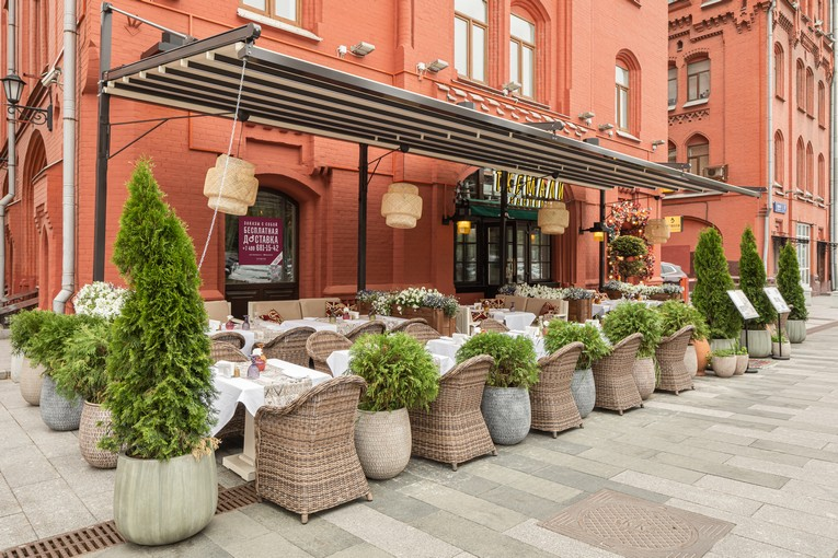 Живой, самобытный и яркий ресторан «Ткемали» на Новой Площади
