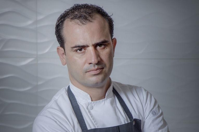 Шеф-повар Джонатан Гомез Луна