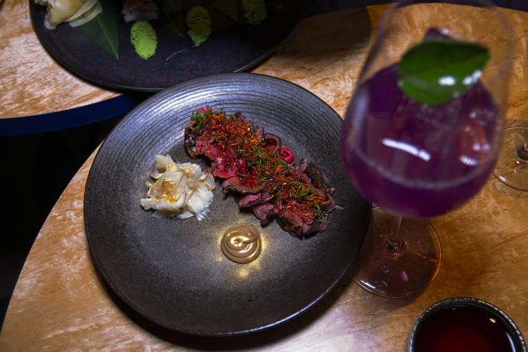 Екатерина Лукичева, автор Telegram-канала «Окей, Август!» исследует паназиатское нео-бистро Asiatique Kitchen x Bar