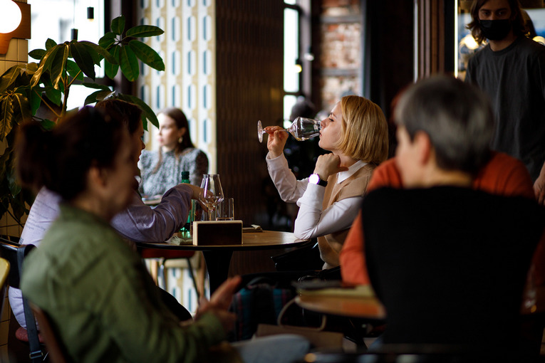 Рестораторы Сретенки предлагают получить QR-код всего за час