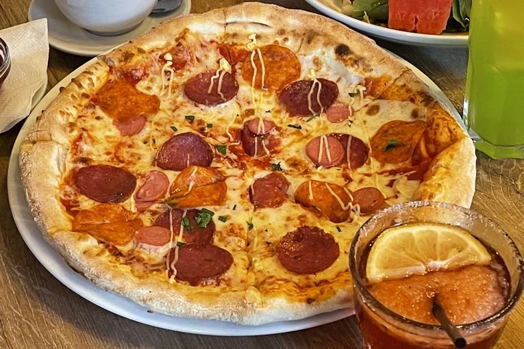 Nicepricecafe, пицца баварская, 200р.
