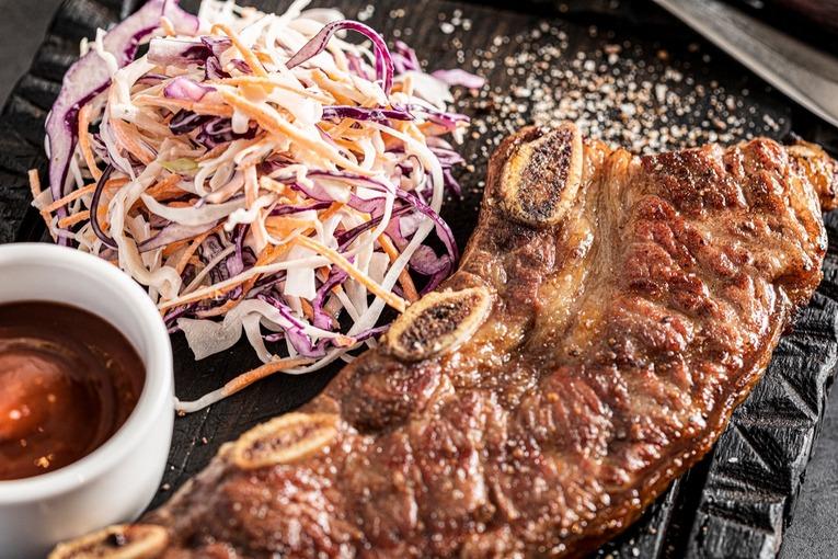 Огонь в Сити: новый ресторан Meatless