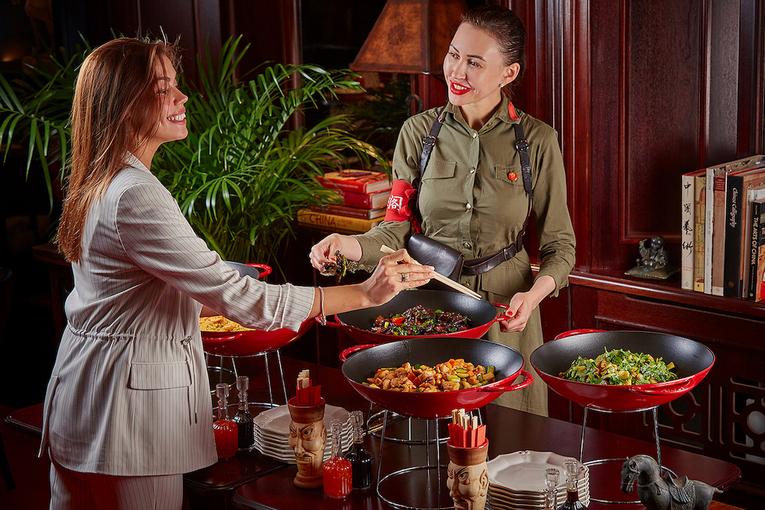 Императорские бранчи в ресторанах «Китайская грамота. Бар и Еда»